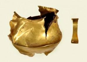 Eccezionale ritrovamento a Montecchio Emilia nel Reggiano: una tazza d'oro dell'antica età del Bronzo