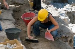 Archeologa e lavoro - © Jashin - Fotolia.com