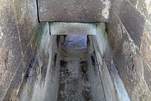 Veduta di alcune delle camere sotterranee al di sotto del palazzo delle colonne